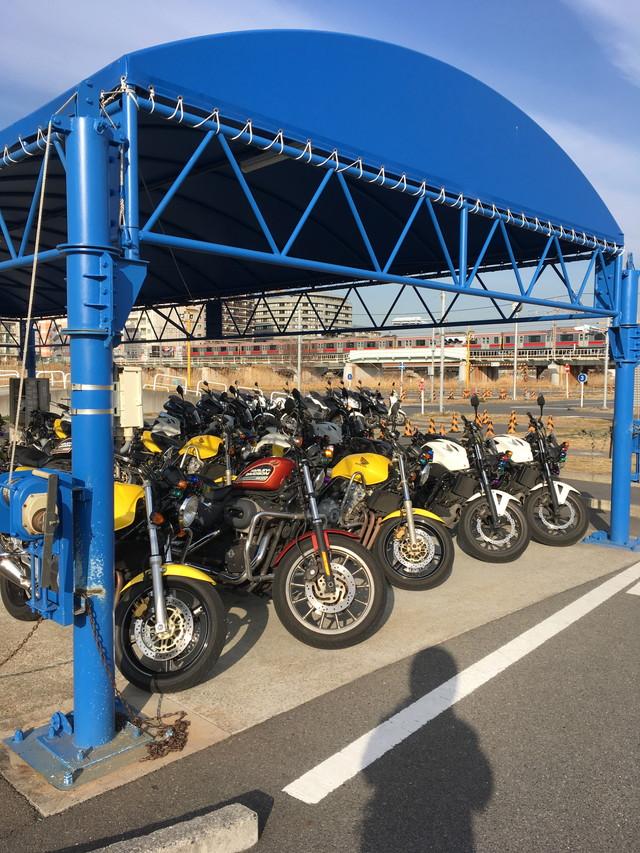 横浜校(※旧:綱島校)バイク置き場