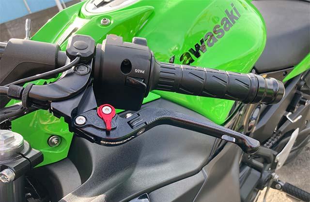 SPEEDRA(スピードラ)アジャストレバー クラッチ&ブレーキセット 3D可倒式 レバー レバー本体艶ブラック、アジャスターカラーレッド