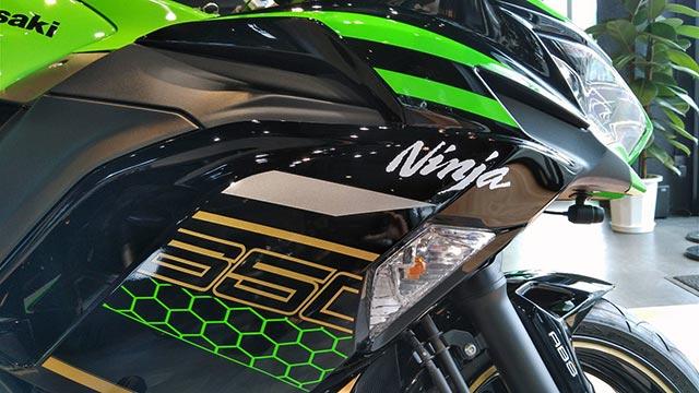 Ninja-650-KRT-EDITIONの横顔